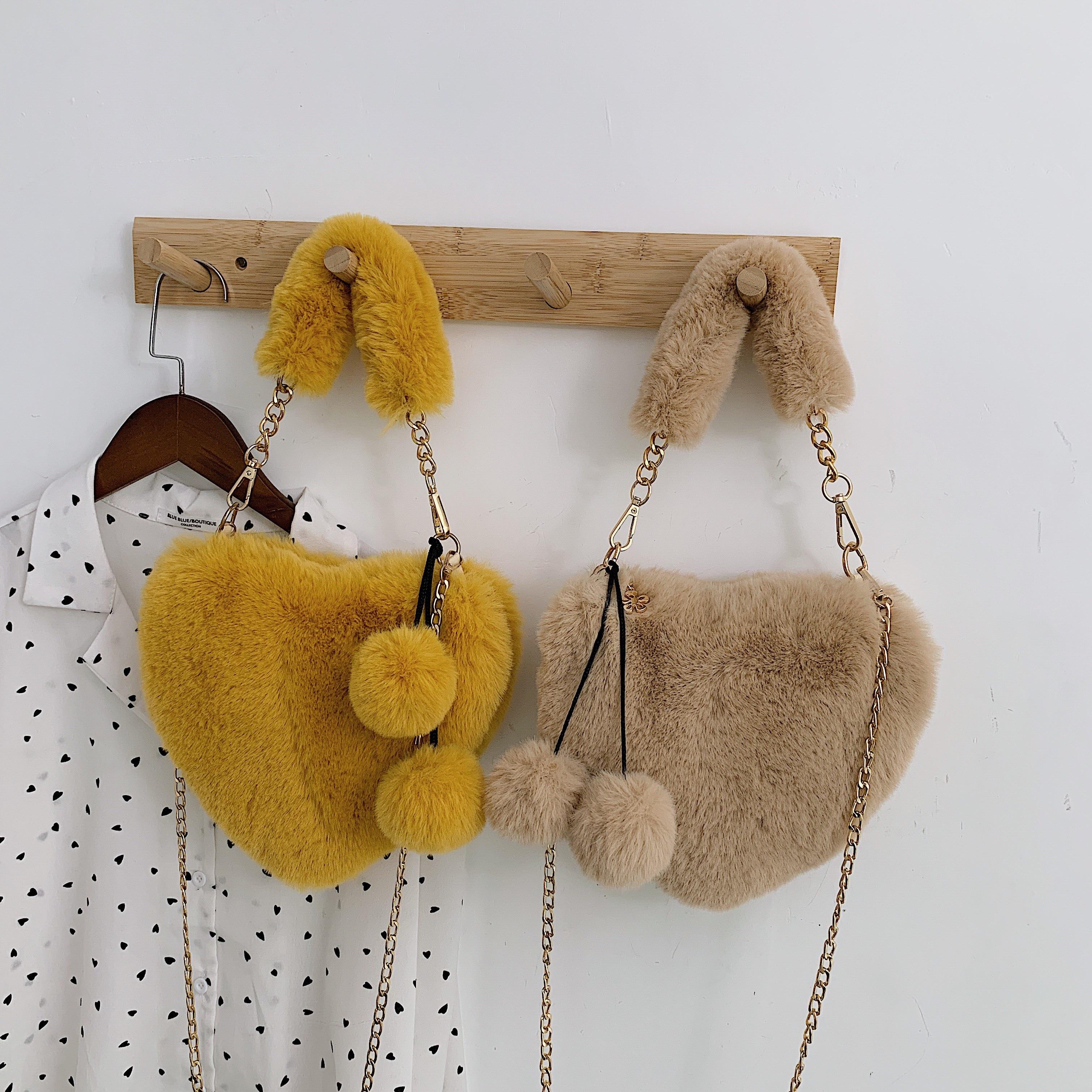 Love Faux Fur Shoulder Bag Hot Pink Plush Handbags In Winter Soft Fur Bag Metal Chain Mini Coin Purse Cute Hand Warmer Clutch