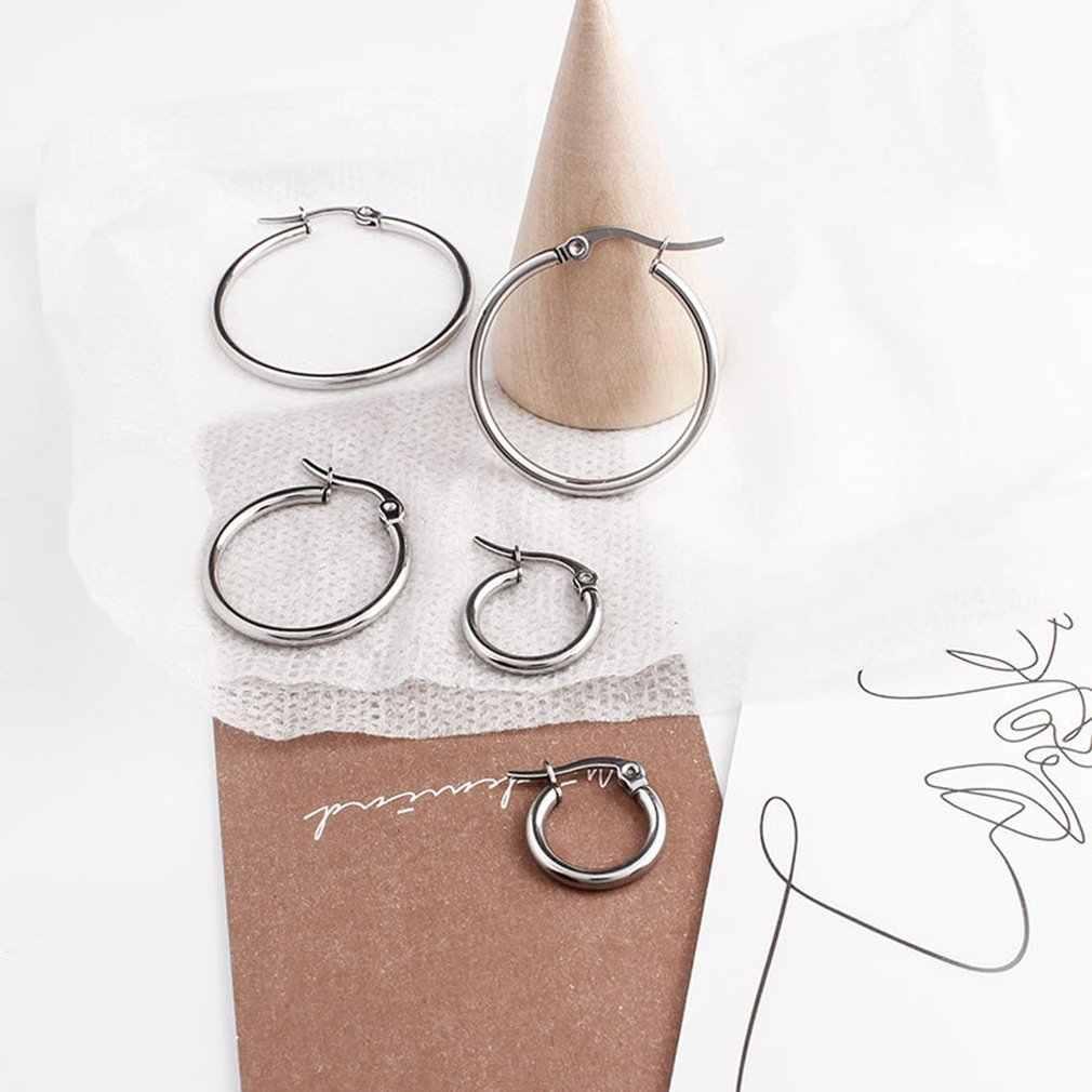 Aretes de mujer grandes de 15-50mm con forma de círculo, pendientes sencillos exagerados con aro, aro liso, pendientes de acero inoxidable, joyería de titanio