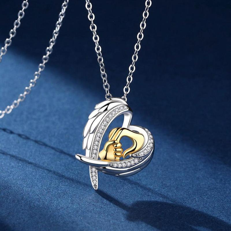 2019 Fashion Shining Cubic Zirconia Mom Baby Necklace Heart Pendant Necklaces for Mother's Birthday Days Gift Family Jewelry image