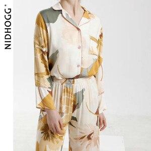 Image 3 - חדש סאטן פרחוני הדפסת פיג מה סט אופנה ארוך שרוול פיג מות נשים V צוואר Loungewear סט 2 חתיכה בגדי בית הלבשת 2020