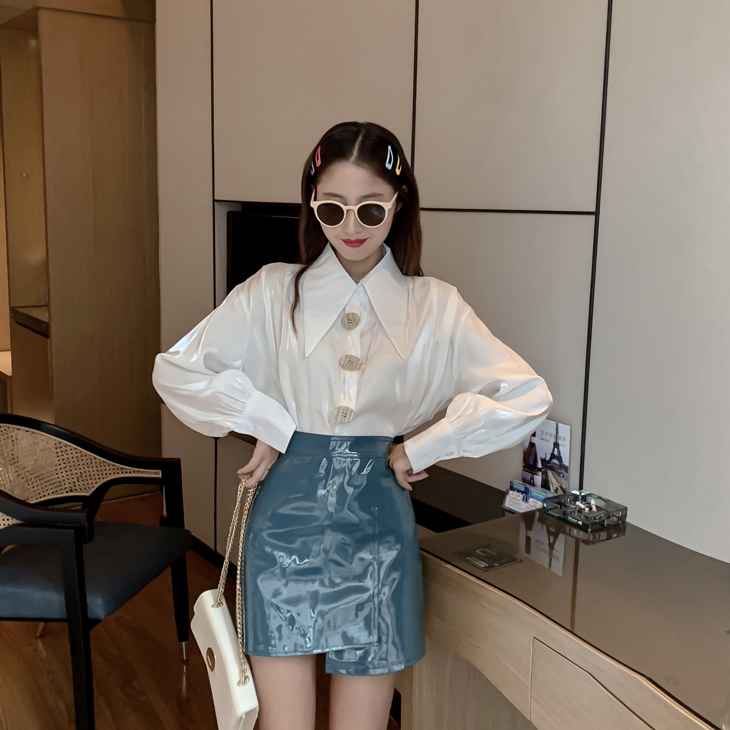 COIGARSAM 2019 New Autumn Shirt Womens Tops Single Breasted Hong Flavor Design Feeling Small Women Shirts White 281