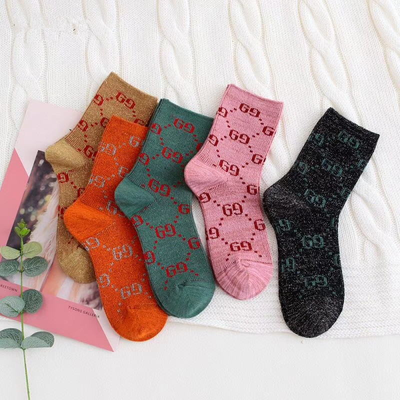 Five pairs of men and women general new spring and summer fashion breathable multicolor letters cotton socks
