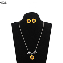 Hot Fashion Sunflower Pendant Necklaces Delicate Leaves Flower Clavicl