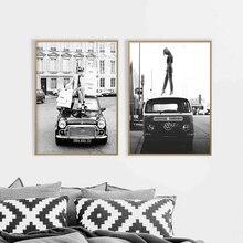 Pósteres de foto de estilo Retro blanco y negro arte callejero Vintage lienzo pintura Retro Coche chica de moda Fotos decoración del hogar
