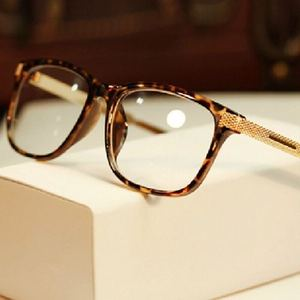 Fashion Women Retro Vintage Eyeglasses Frame Metal Men Square Clear Glasses Frame Computer Optical Clear Eyewear Oculos