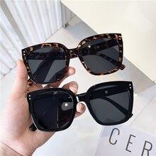 Occhiali da sole quadrati Vintage coreani 2020 moda occhiali da sole con montatura grande rivetto donna Designer occhiali UV400 Shopping viaggi Oculos