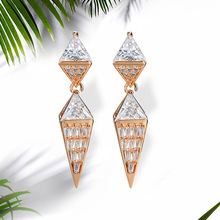 NJ New Fashion Geometric Tapered Design Hanging Dangle Earring For Woman Chic Drop Earrings Crystal Gold Jewelry Wedding