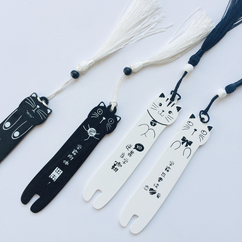 1X Kawaii Meow White Black Cat Wooden Tassel Bookmark Marker Of Page Decoration