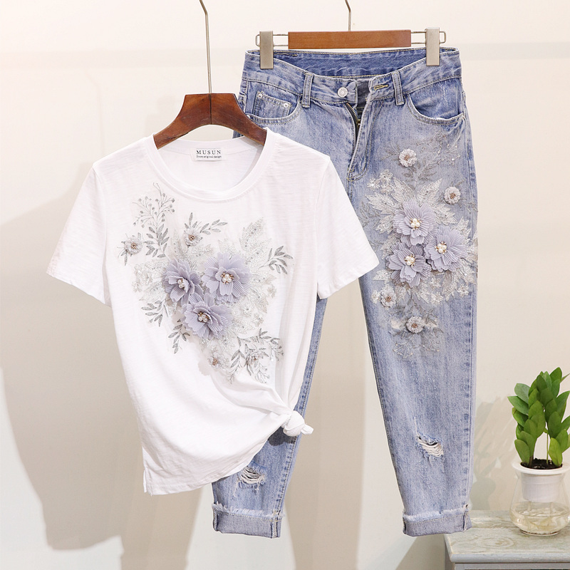 Women Set 2020 Spring Summer Fashion Beading Embroidery Flowers Short Sleeve T-shirt + Hole Nine Points Jeans Two Piece Set H150