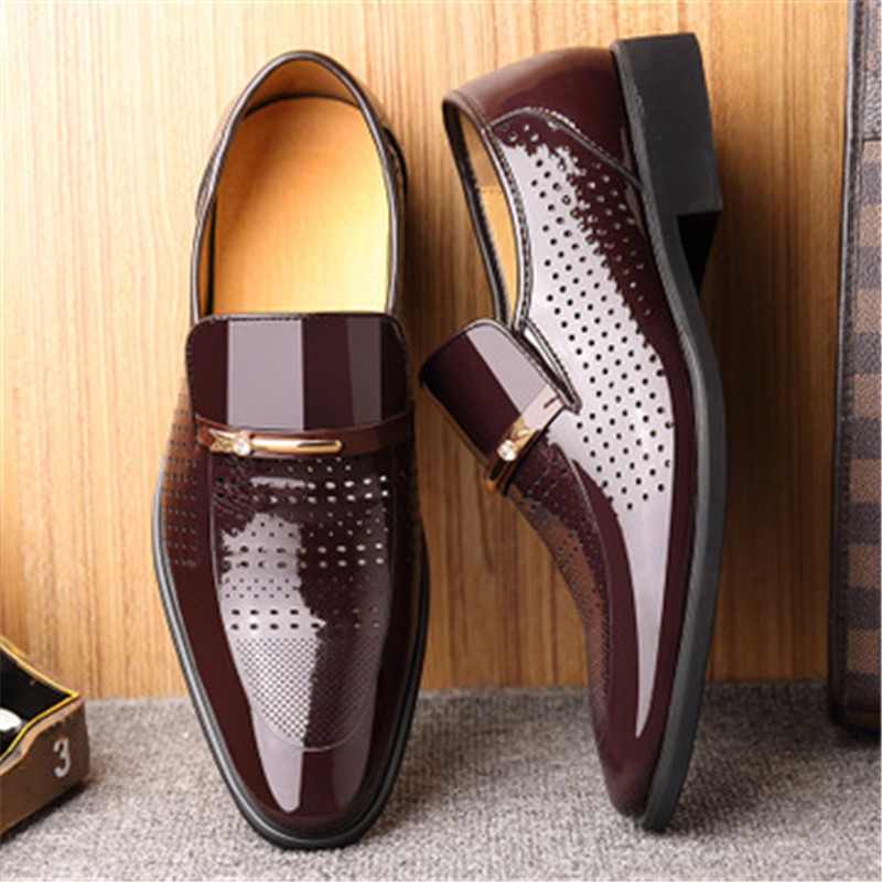 New Summer Leisure Sandals For Men Patent Leather Hollow Out Pointed Toe Casual Shoes Male Comfortable Soft Sole Office Footwear