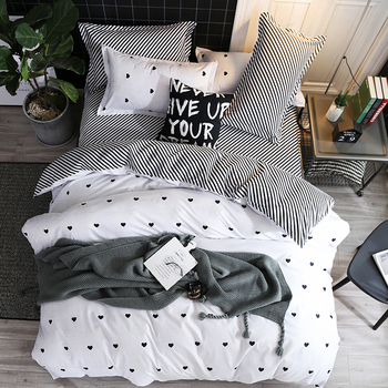 Simple Bedding Set White With Black Hearts 8
