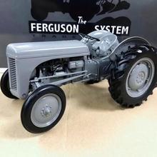 Универсальные хобби 1/16 Фергюсон чай 20 1949 трактор литья под давлением модель UH2690