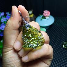 Checa meteorito meteorito verde pingente de pedra original de energia pedra sonho claro pedra de energia dos homens e das mulheres pingente