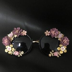 Image 4 - חדש אופנה הבארוק נשים בנות מתכת פרח משקפי שמש רטרו Gems יוקרה משקפי שמש קיץ חוף משקפיים