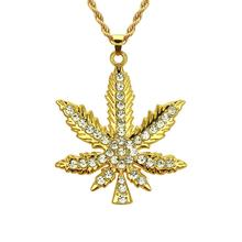 New hip hop rhinestone maple leaf pendant necklace European and American fashion pendant necklace rhinestone faux crystal feather leaf necklace
