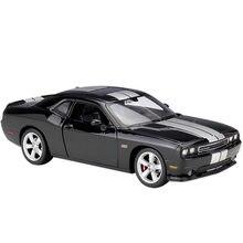 Welly 1:24 dodge challenger srt 2012 liga de luxo veículo diecast puxar para trás carros modelo brinquedo coleção presente natal