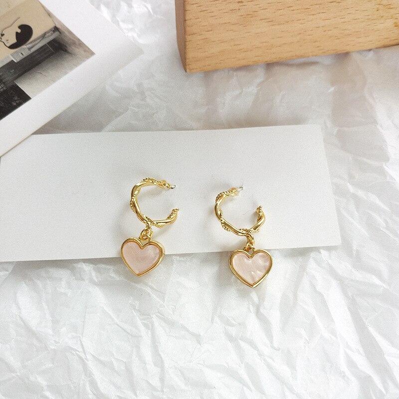 Fashion jewelry French S925 needle pink heart earrings ladies heart C word earrings metal golden twist Stud Earrings gifts