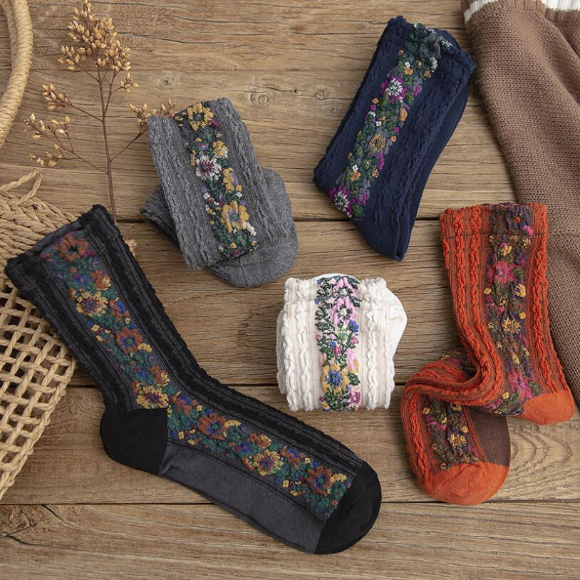 1 Pair Of Autumn And Winter New Linen Pattern Cotton Women's Socks Retro Small Floral Jacquard Fashion Tube Socks For Ladies
