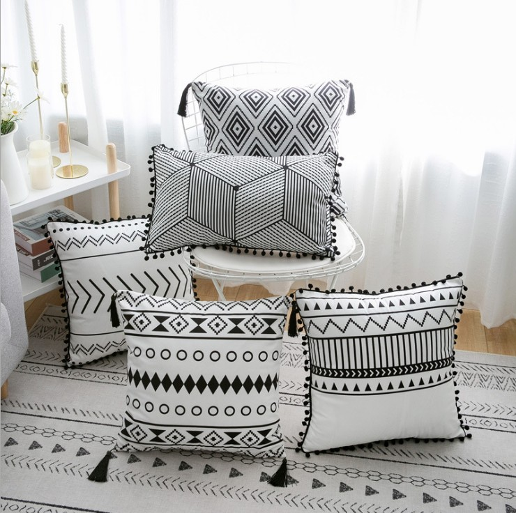 Decorative-Pillow Geometric Velvet Pillowcase/cushion/Pillow 45x45cm White And Black title=