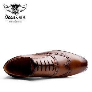 Image 4 - DESAI ماركة الحبوب الكاملة جلد الرجال أكسفورد أحذية النمط البريطاني الرجعية منحوتة بولوك الرسمي الرجال فستان أحذية حجم 38 47