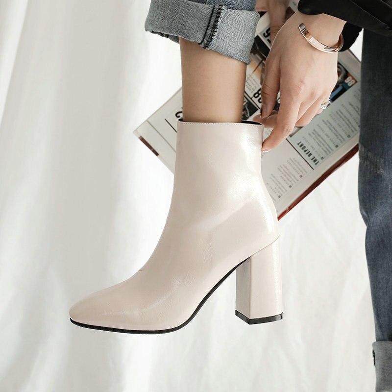 2148.74руб. 47% СКИДКА|Женские осенние ботинки из искусственной кожи; Ботильоны на очень высоком каблуке; Модные зимние ботинки на молнии с квадратным носком; Цвет черный, белый; 2020|Полусапожки| |  - AliExpress