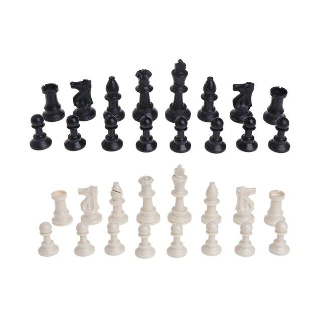Pièces d'échecs médiévales en plastique complet Chessmen jeu de Chesses internationales en gros livraison directe 1
