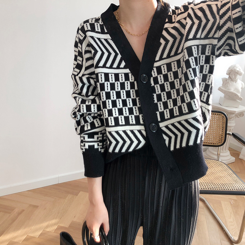 Women V-neck Cardigan Sweater Coat 2019 Autumn Winter New Fashion Casual Comfortable Wild Patchwork Knit Cardigan Women Sweater