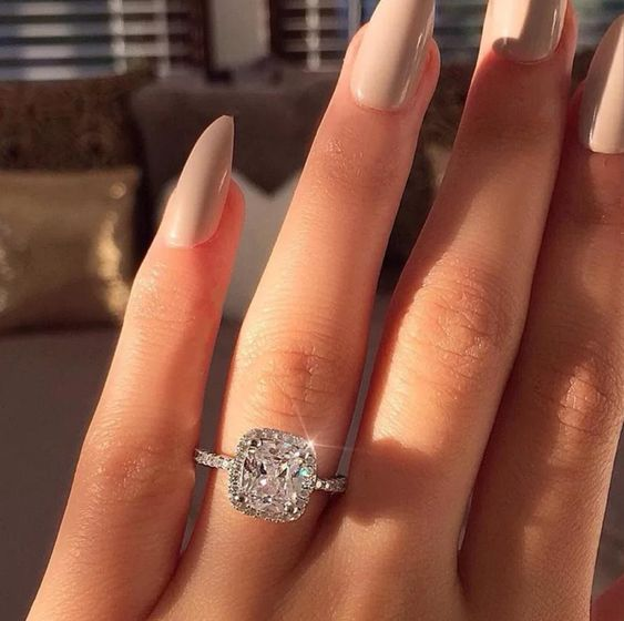 New Wholesale 925 Sterling Silver Rings for Women Big White Zircon Stone Romantic Wedding