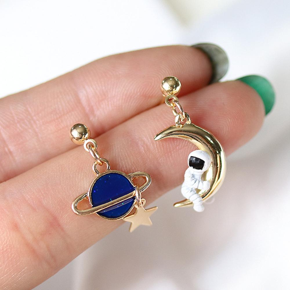 Creative Cute Design Universe Planet Star Astronaut Tassel Drop Earrings For Women Girls Hollow Circle Crystal Pendant Jewelry