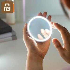 Image 1 - HD مرآة تجميل مع لمبة ليد LED اللون الأزرق ضوء مرآة لمستحضرات التجميل مصغرة المحمولة التحكم باللمس الاستشعار مرآة للماكياج الجمال