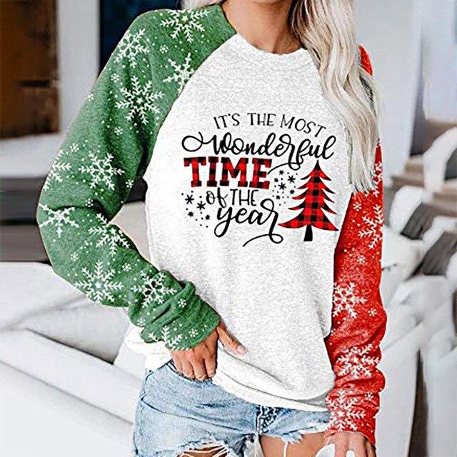 Фото женский объемный свитшот в стиле оверсайз с изображением рождественской
