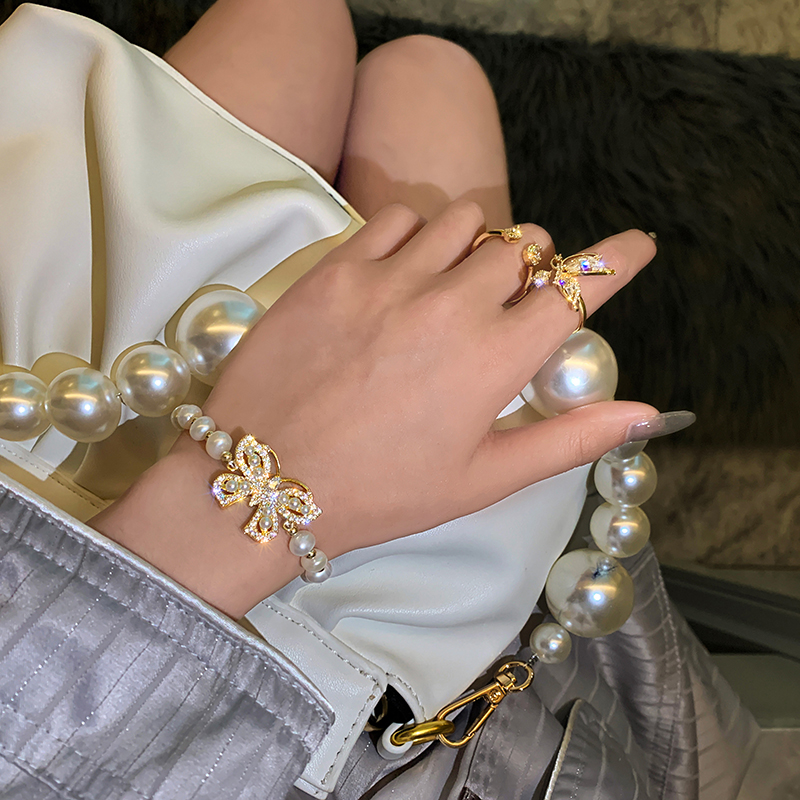new design fashion jewelry high-end natural freshwater pearl crystal butterfly stretchable adjustable female bracelet