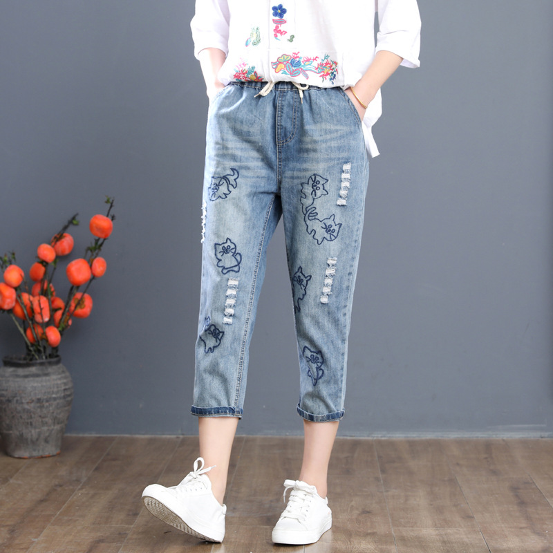 Women Flowers Embroidered Ripped Jeans Denim Pants Ladies Elastic Waist Vintage Calf-Length Loose Plus Size Pants