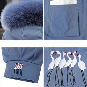 Image 5 - 冬の毛皮の襟フード付きコートの女性刺繍ジャケット女性厚く暖かい綿パッド入りジャケット生き抜くプラスサイズロングパーカーmujer