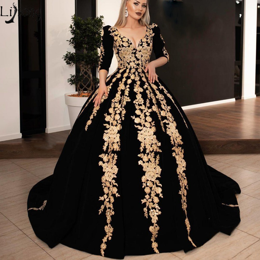 Vintage Puffy Black Evening Dresses With Gold Appliques Lace Ball Gowns Vintage Three Quarter Sleeves Long Prom Gowns