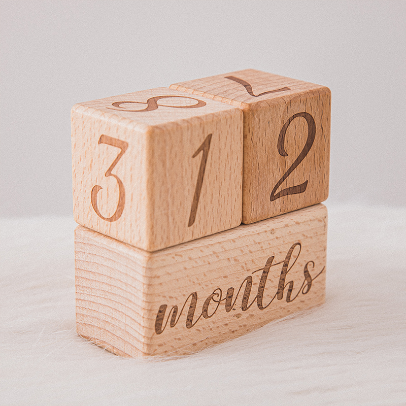 1set Baby Milestone Memorial Monatliche Holz Block Fotografie Monat Sticke Neugeborenen Gedenk Alter Karte Foto Zubehör