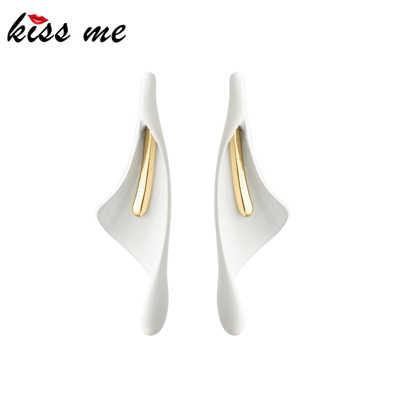 Kissme Fashion Earrings For Women 2020 Spring White Geometric Calla Lily Drop Earrings Women Elegant Brand Jewelry Wholesale
