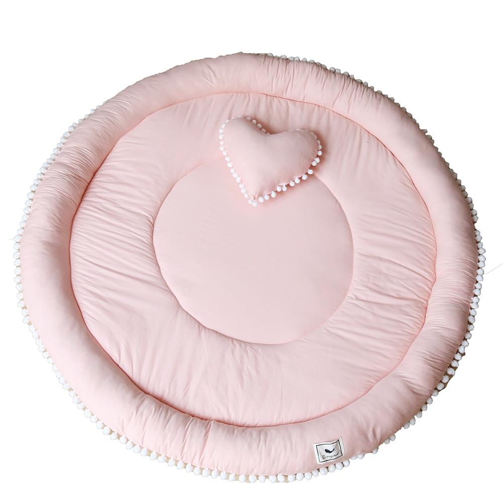Land Pad Europe du nord ameublement Pom Ball pur coton circulaire en trois dimensions paquet bord épaississement enfants