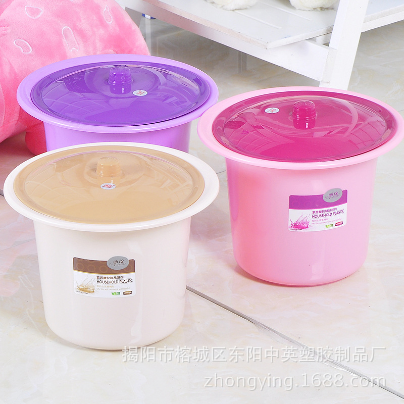 Chinese And English Plastic Ya Yi Children Spittoon Plastic Products Toilet For Kids With Lid Cartoon Spittoon