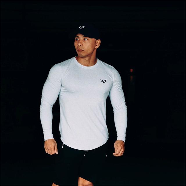 Koszulka męska 2019 jesień nowy z długim rękawem O-Neck T Shirt mężczyźni marka odzież moda fitnessowe bawełniane Tee topy odzież tanie i dobre opinie YEMEKE Pełna Tees Na co dzień Stałe COTTON Poliester Regular sleeve Suknem sports leisure fashion fitness spring autumn winter