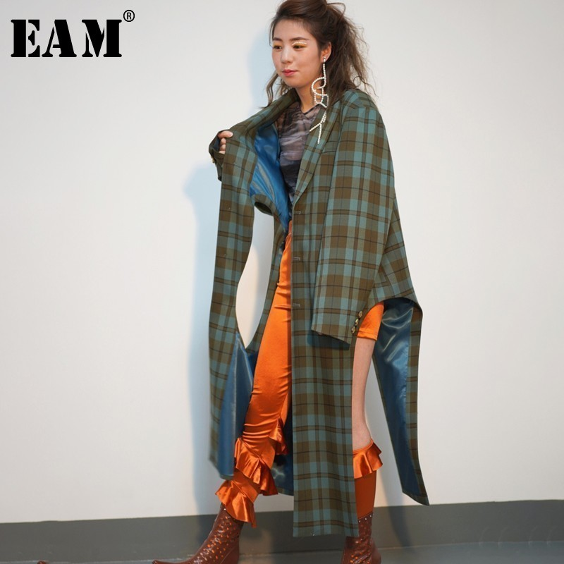 [EAM] Women Plaid Hollow Out Asymmetrical Trench New Lapel Long Sleeve Loose Fit Windbreaker Fashion Spring Autumn 2020 JO178