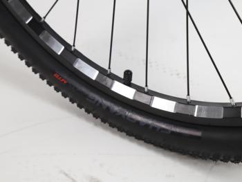 Mondshi27.5-inch mountain bike 24 speed disc brake damping front fork 4