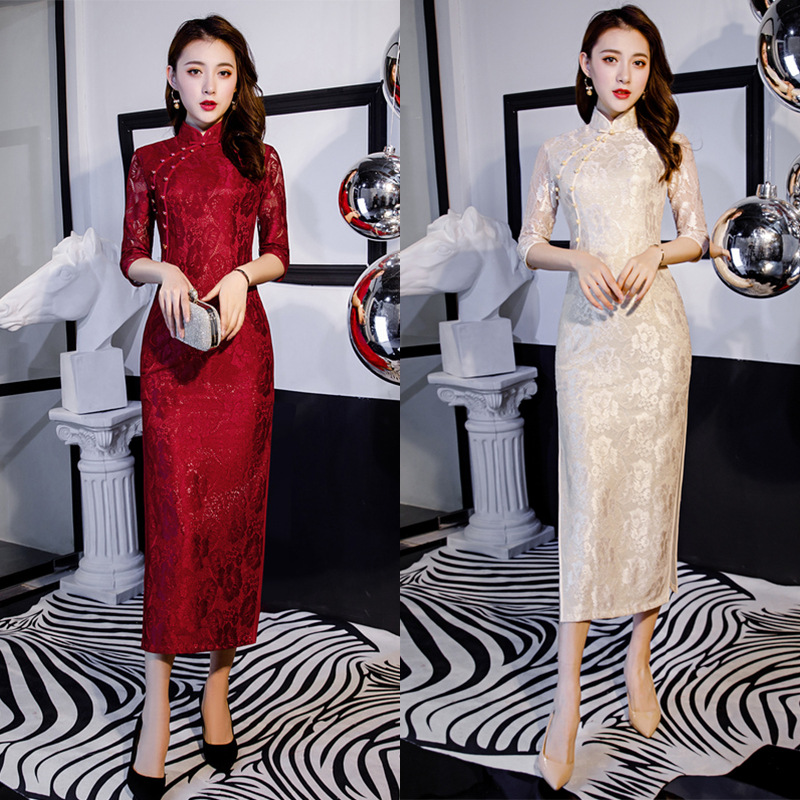 2020 Red Evening Wedding Party Cheongsam Hollow Carved Lace Oriental Chinese Dress Women Elegant Qipao Lace Long Robe Retro Gown