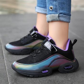 Nowe jesienne dzieci tenisowe buty do biegania chłopcy dziewczęta trampki dziewczyna wygodne buty studenckie dziewczyny dorywczo sportowe buty dziecięce buty tanie i dobre opinie pzhk 3-6y 7-12y 12 + y Cztery pory roku Kobiet RUBBER Pasuje prawda na wymiar weź swój normalny rozmiar Hook loop W paski