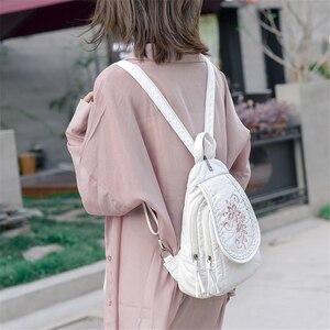 Image 3 - 新しい女性バックパックファッション刺繍花女性の胸バッグソフト洗浄革トラベルバックパックbagpack mochila feminina