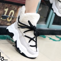 Genuine Leather Female Snow Boots Winter Boots women platform Plus velvet Sports Ankle boots Keep warm Sheep curl Women Booties
