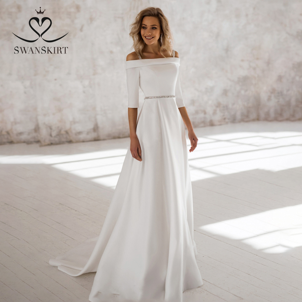 Elegant Off Shoulder Wedding Dress Swanskirt NR03 Boat Neck Satin Crystal Belt A-Line Court Train Bride Gown Vestido De Noiva