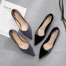 2020 靴女性のスリップアドオン小猫薄型メッドハイヒール固体フロックボウタイ蝶ノットオフィスレディエレガントセクシーな結婚式のポンプ