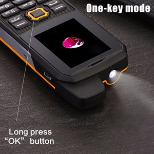 "Image 3 - F68 IP67 방수 전원 은행 휴대 전화 2.2 ""Shockproof 시끄러운 스피커 강력한 손전등 듀얼 SIM 수석 야외 견고한 전화"