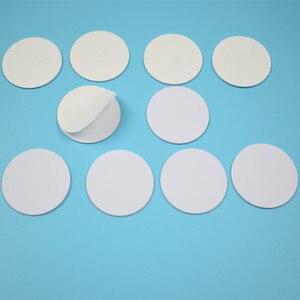 Image 2 - 25mm 13,56 Mhz NFC Aufkleber Adhesive Münze Karten Tags NFC 213 NFC215 NFC216 PVC Wasserdicht Für Alle NFC Handys